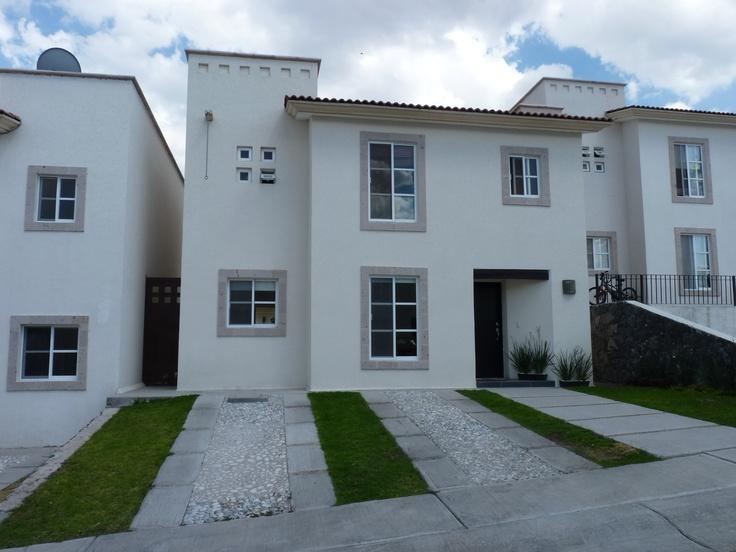 17 best images about fachadas de casa on pinterest house for Fachadas de casas con terraza