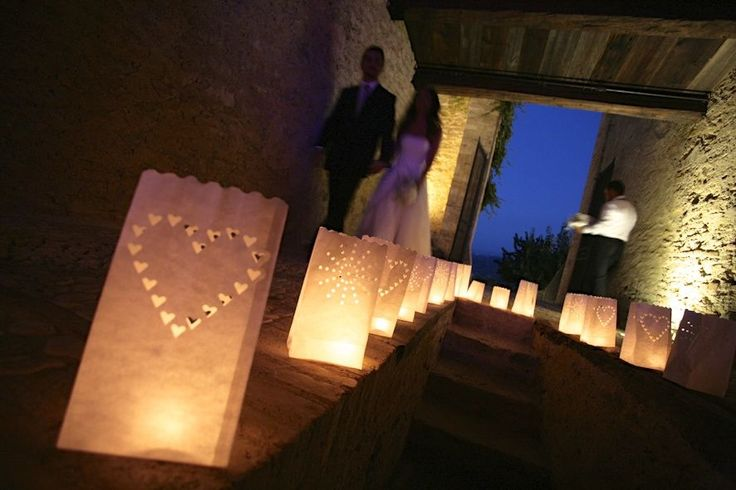 Wedding in the castle, wedding insipration, Wedding in Italy. Candlelight. Wedding party