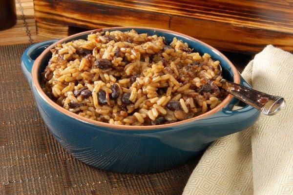 Beef with Black Beans and Rice http://lynnescountrykitchen.net/holiday ...