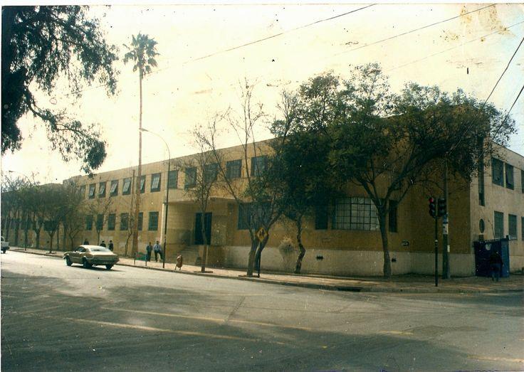 Antigua Escuela Superior de Niñas, donde actualmente se encuentra un Mall, calle OHiggins esquina Colipí, al naciente, año 1981