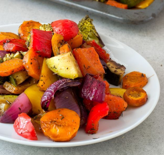 Oil Free Rainbow Roasted Vegetables | 14 Easy Side Dishes For Chicken | Simple Yet Flavorful Recipe to make every meal more Delicious! Homemade Recipes : http://homemaderecipes.com/14-side-dishes-for-chicken/
