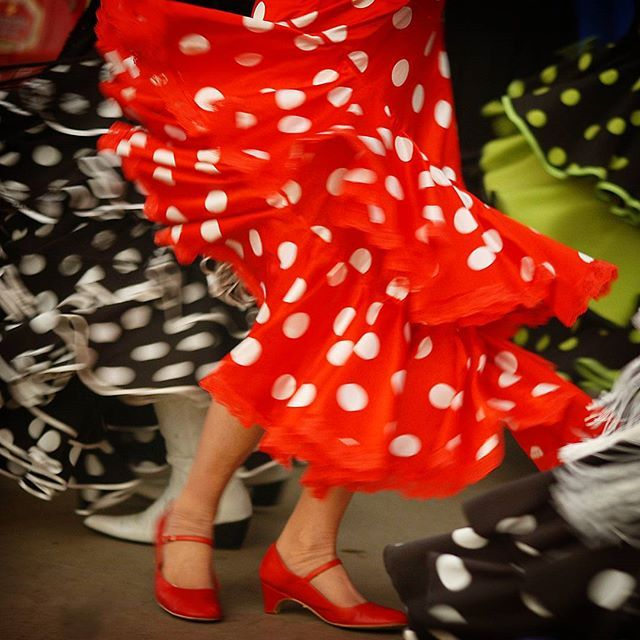 Could there be a fiesta in Andalucia without Flamenco? Not really! #spain #espanja #flamengo #andalucia #red #matkalla #blogi #matkablogi #sevilla #travel #traveling #instatravel #travelblogger #instatraveling #mytravelgram #andalusia #photooftheday #picoftheday #loma #vacation #dance #dancing #tanssi #traveller #trip #instago #skirt #hame #spanishvacation