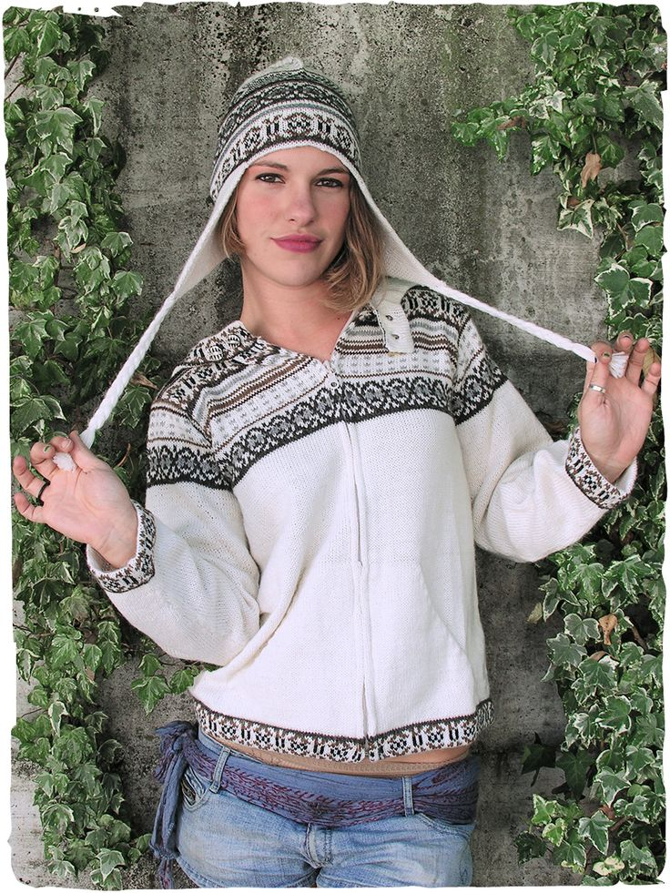Cardigan Niki Cardigan con cappuccio e cerniera - due tasche - disegni etnici S/M - M/L100% lana d'alpaca filo semplicemoda italiana made in Perù lavabile in lavatrice 30°  #modaetnica #ethnicalfashion #alpacaswhool #lanadialpaca #peruvianfashion #peru #lamamita #moda #fashion #italianfashion #style #italianstyle #modaitaliana #lamamitafashion #moda2015 #fashion2015