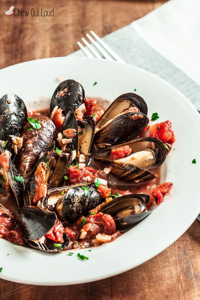Healthy Mussels with Garlic and Tomatoes - Chew Out Loud
