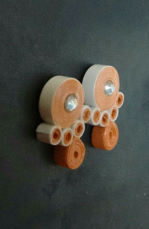 Orange and white color fancy quilling stud