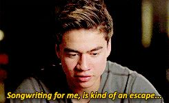 5 Seconds of Summer - How Did We End Up Here (Calum Hood)