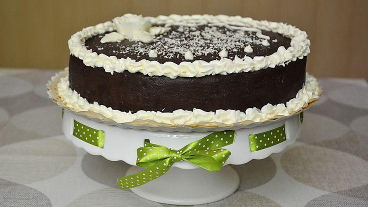 Tort Sorina / Sorina cake Reteta si modul de preparare a tortului Sorina. Este foarte gustos. Merita sa incercati. Recipe and how to prepare the cake Sorina. It is very tasty. Worth trying.