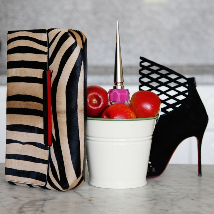 outlet christian louboutin online