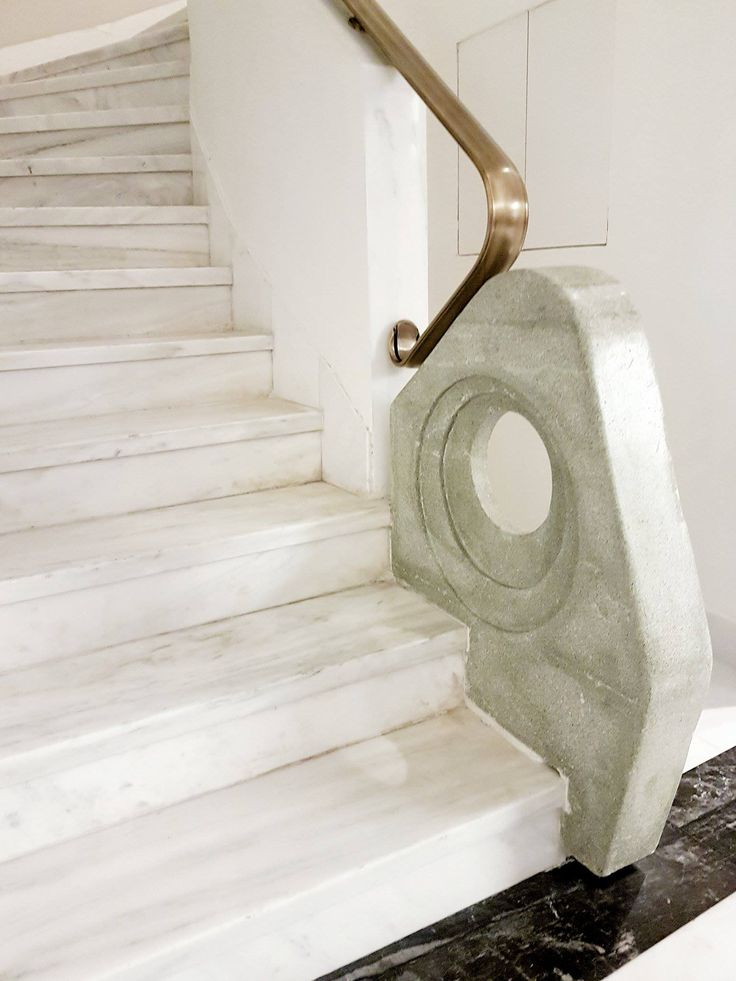 A marble detail at the staircase