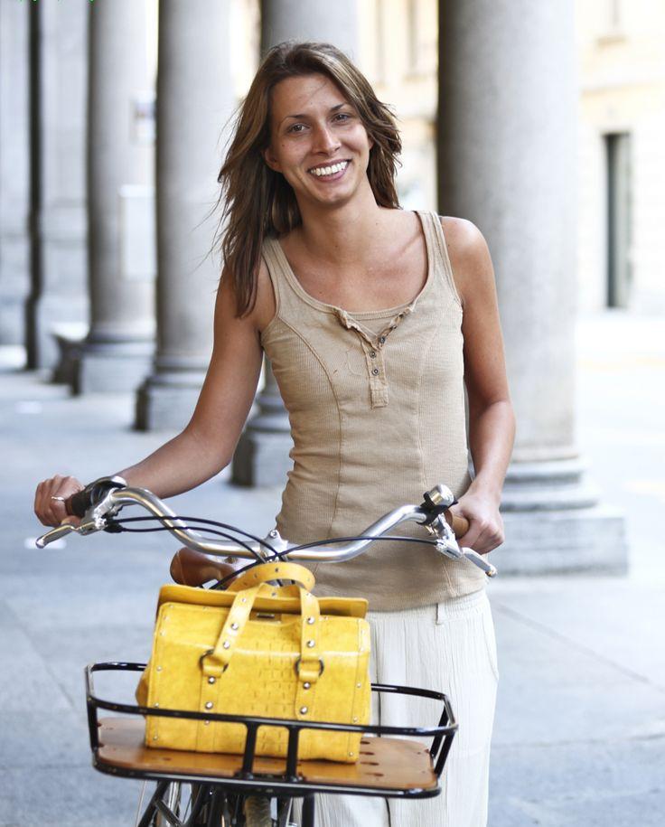 Έχω και ... ποδήλατο! Πάμε μια βόλτα; Ειδικά τώρα που ανοίγει ο καιρός, το ποδήλατο είναι μία τέλεια δραστηριότητα! (http://gynaikaeveryday.gr/?page=calendar&day=2015-04-23)
