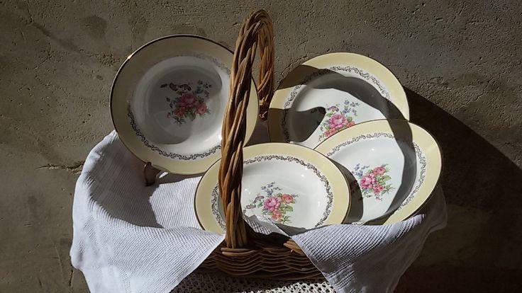 Français 60's/ 4 assiettes creuses, à soupe décor de bouquet de fleurs / vintage french  plates de la boutique ChezOdileBrocante sur Etsy