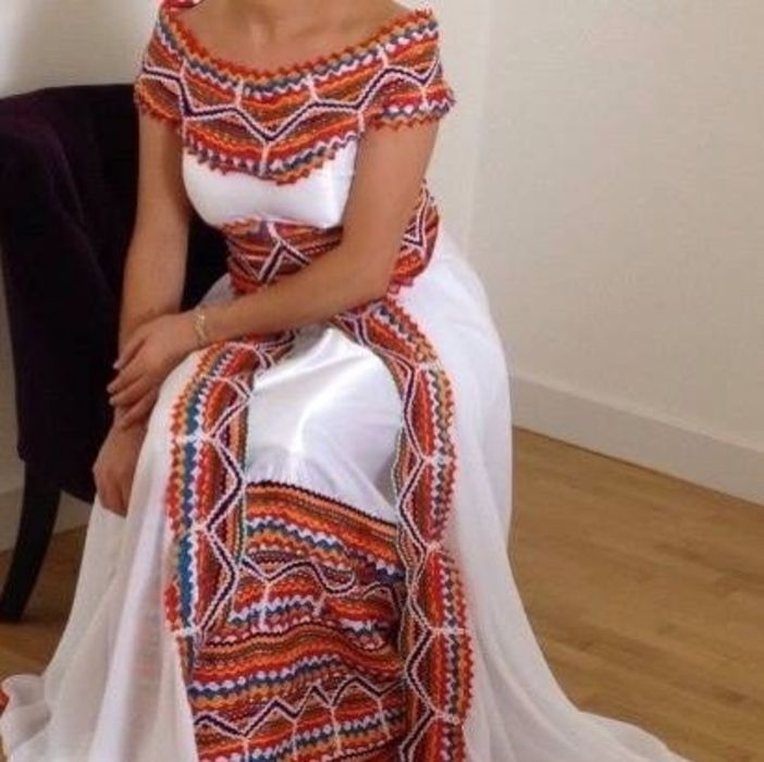 Les 25 meilleures idées de la catégorie Robe kabyle mariage sur Pinterest | Tenue mariage kabyle ...