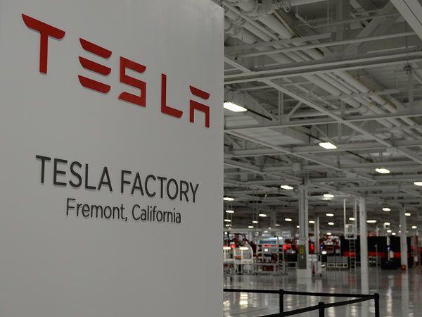 Take a Look Inside the Tesla Electric Car Factory - Popular Mechanics