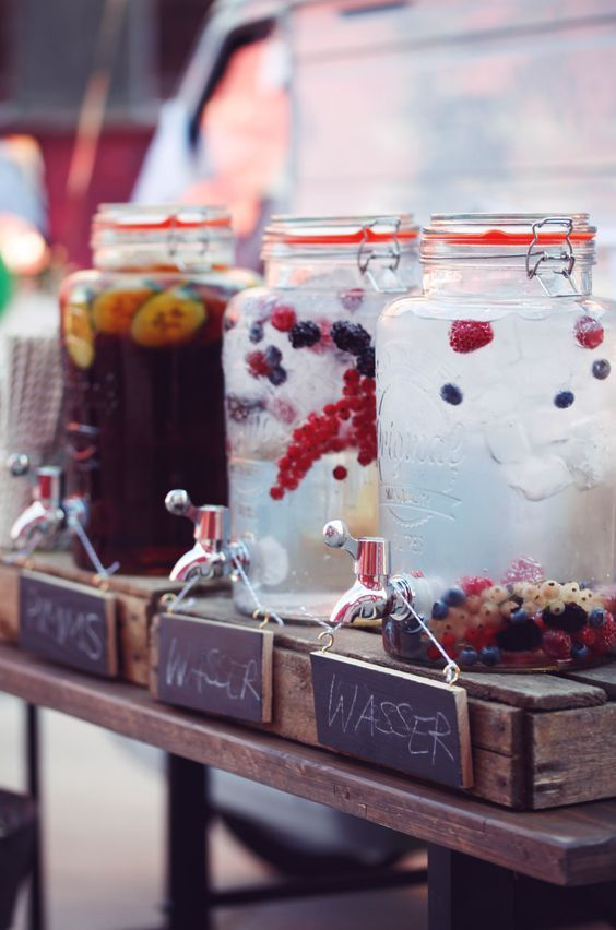 Wedding with factory charm - Horst spice up any event! # Beverage dispenser #Sektempfang #Wedding #Vintag #mobileBar