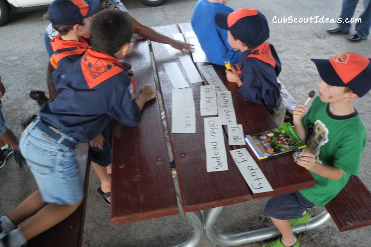 Learning the Cub Scout Promise and the Law of the Pack can be difficult for young boys. Make it fun by creating a puzzle.