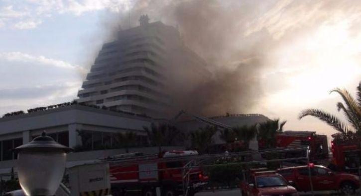 #DÜNYA Beş yıldızlı otelde korkutan yangın: İzmir'in Selçuk ilçesindeki bir otelin konferans ve balo salonu olarak kullanılan bölümü,…