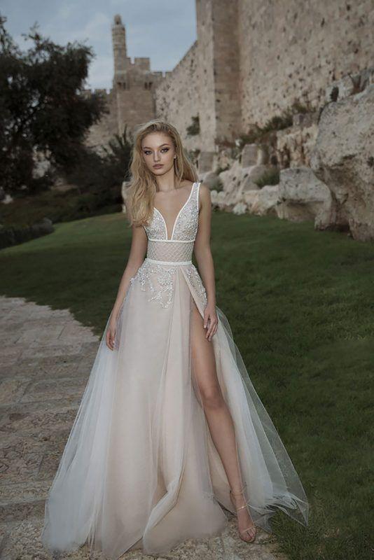 conoce al diseñador israelí que conquista con sus vestidos de novia