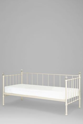This day bed is a gorgeous addition to your princesses little palace! Shop online now via the link in our bio!