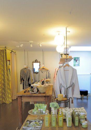 Ontdek de winkel van dit zeer vriendelijke koppel aan de Prinsengracht in A'dam. Vind er fijne en unieke decoratie-items. De webshop opent binnenkort.