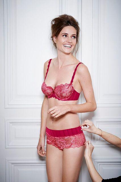 Ten komplet Amour od Simone Perele możesz kupić taniej w komplecie w naszym sklepie internetowym z bielizną. Zapraszamy!
