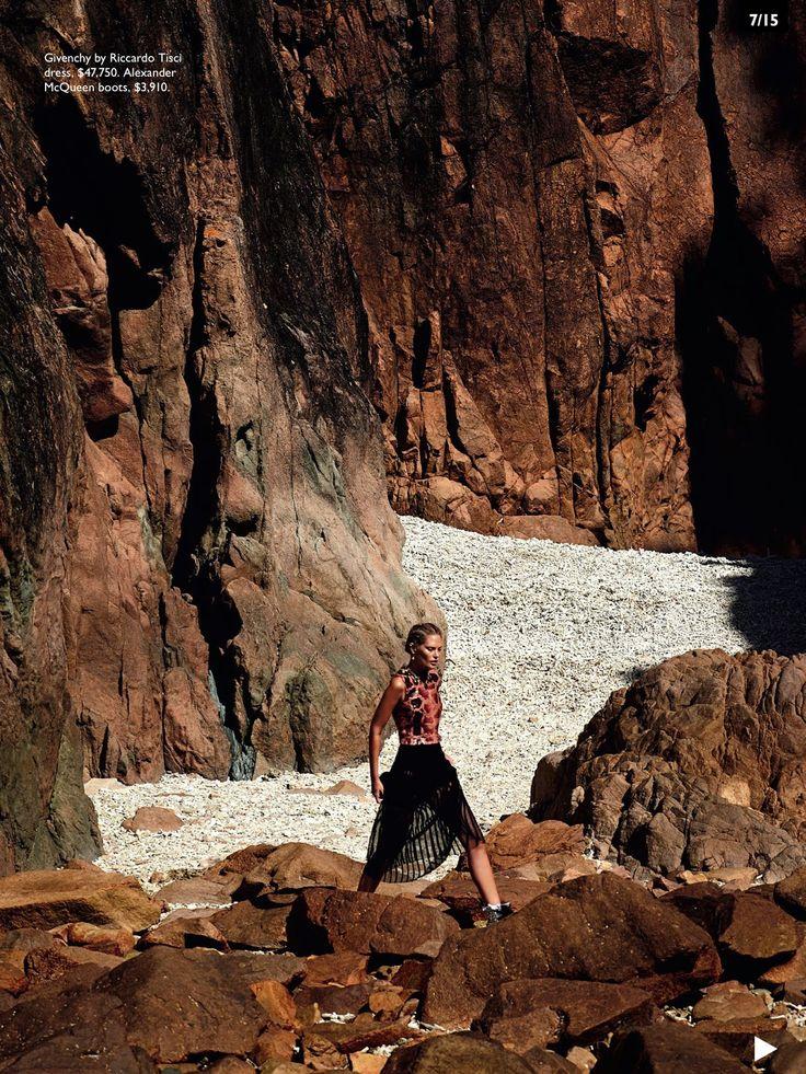 Vogue Austrália Outubro 2014 | Catherine McNeil por Gilles Bensimon [Editorial]