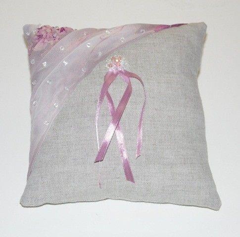 Coussin en lin et perles Swarovski . Coloris rose et lin naturel