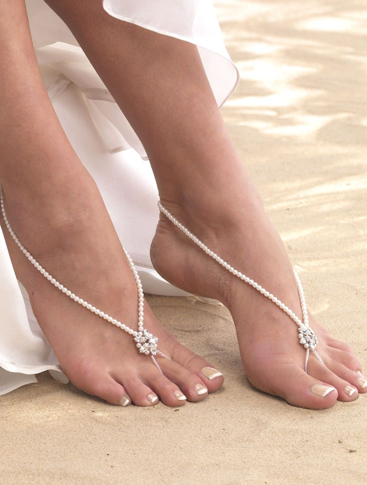 ARS002 Star Pearl Barefoot Sandal. Delicate pearl barefoot sandals with single diamante star on each sandal. Our bridal barefoot sandals are elasticated making them one size fits all.