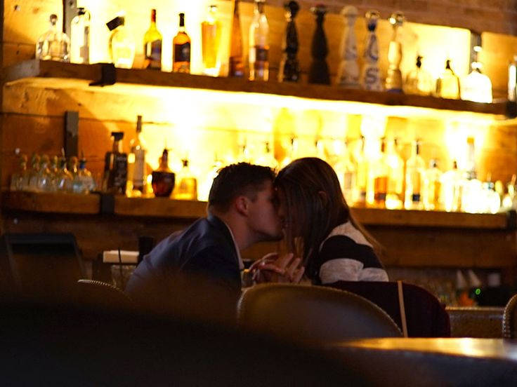 dating bartender Dating a bartender has never crossed my mind, but more than likely i wouldn't flirting with customers is a part of any tip based industry i have known many waitresses that will actually adjust their cleavage based on the table they are serving.