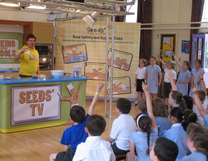 Forefield Junior School - Events 07/08: Flora Roadshow