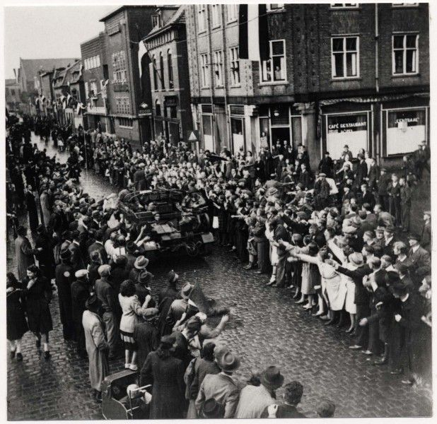 De bevrijding van Helmond - Klik op de afbeelding voor het verhaal!