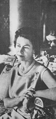 OĞUZ TOPOĞLU : kraliçe elizabeth taç giyme töreni ve prens philip...