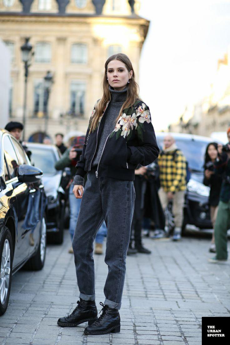 Caro looking stunning. #offduty in Paris. #CarolineBraschNielsen
