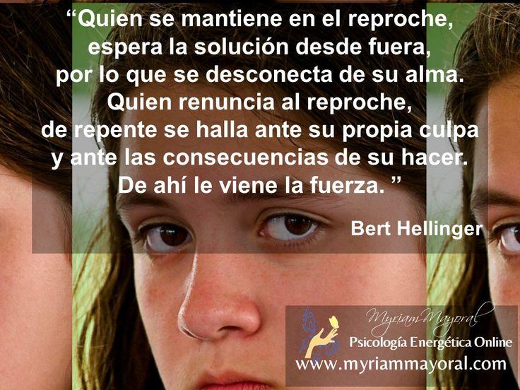 Un hijo que sustituye el respeto por el reproche, permanece estancado en su vida  y atado a los padres en un reclamo o critica infantil.