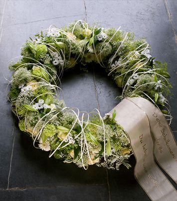 Funeral flowers - creation 107 - sobeldut.oasisfloral.com/creaties/creaties/rouwwerk