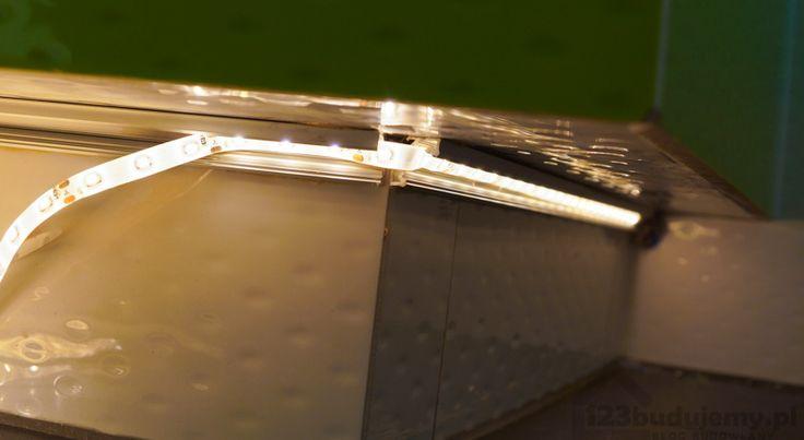 montaż profilu do tesmy led pod obudową wanny jakie zasilanie bezpiecznie zasilanie do oświetlenie wanny w łazience - łazienka, Podświetlenie, Oświetlenie, Tasma Led, Led, Ledy, Poświata, światło, Zielona łazienka, Szafki, Podświetlenie Szafek, Podświetlenie Mebli, Podświetlenie Wanny, Płytki, Wc, Taśma, Listwa Led, Profil, Profil Do Taśmy, Nowoczesne Oświetlenie