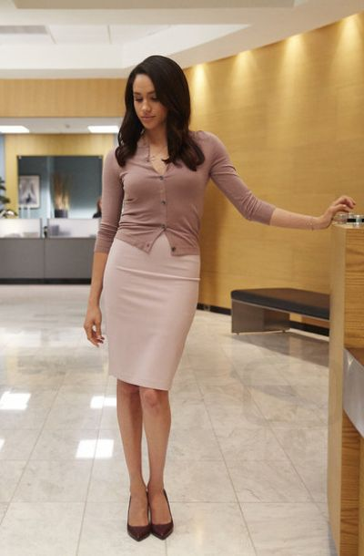 Rachel Zane in Suits S05E06                              …