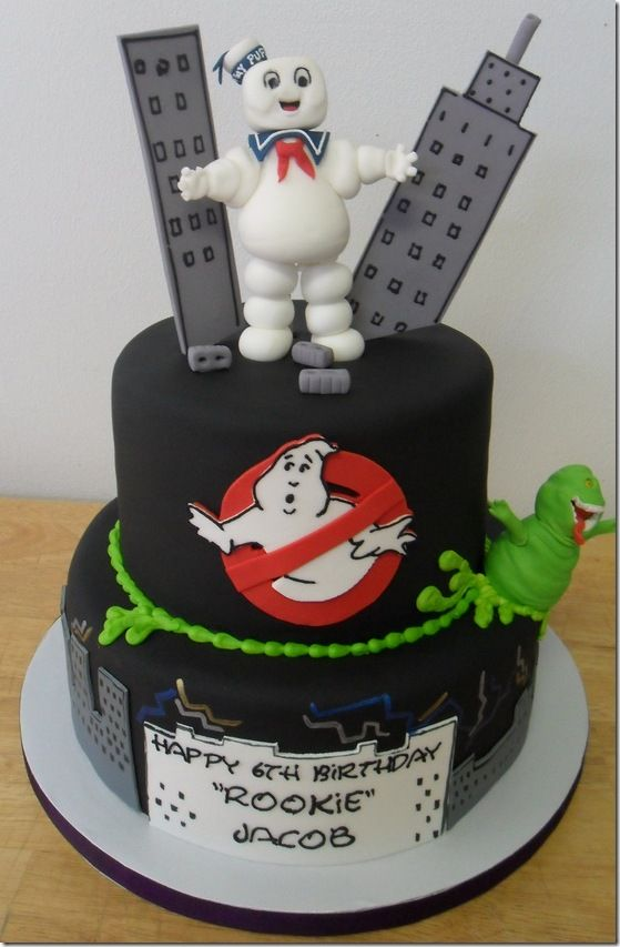 Ghostbusters Cake...omgeeeee!!!! we MUST find someone who can make this...my boys would just dye! =)  LOL