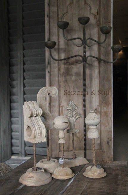 Houten statues van Hoffz