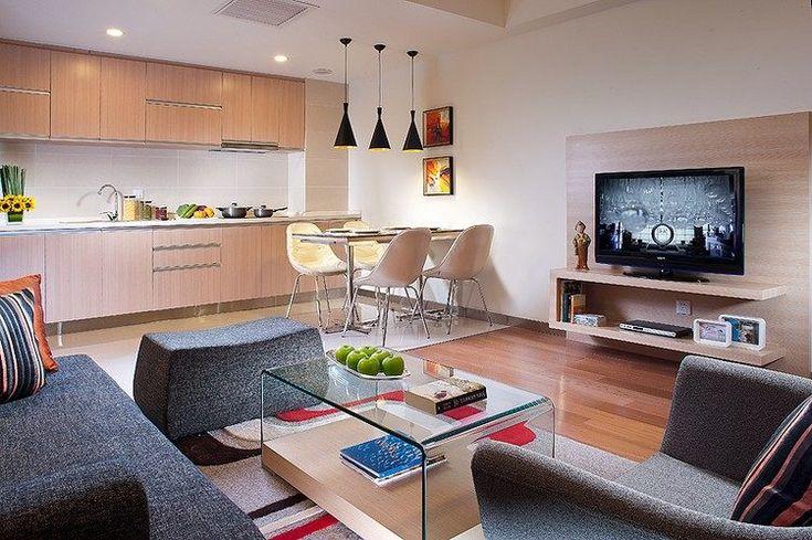 Holz k chenfronten graues sofa und glas couchtisch for Graues esszimmer