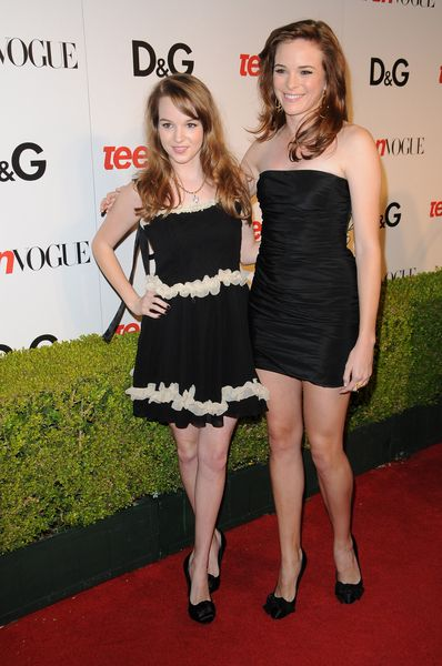 Kay Panabaker and Danielle Panabaker Pictures: 2009 Teen Vogue ...