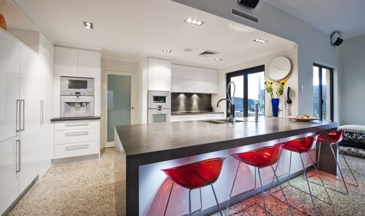 My Dream Kitchen : Inspiration Gallery : Spacious Solid Surface