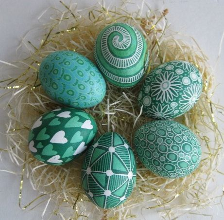 Green eggs ( craft idea-- decorate green eggs...)