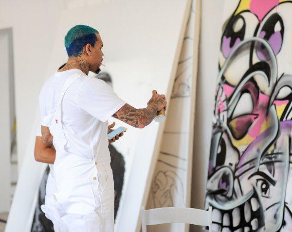 Chris Brown Photos - Chris Brown And KAI At Fine Art Auctions Miami's Urban Art Week - Zimbio