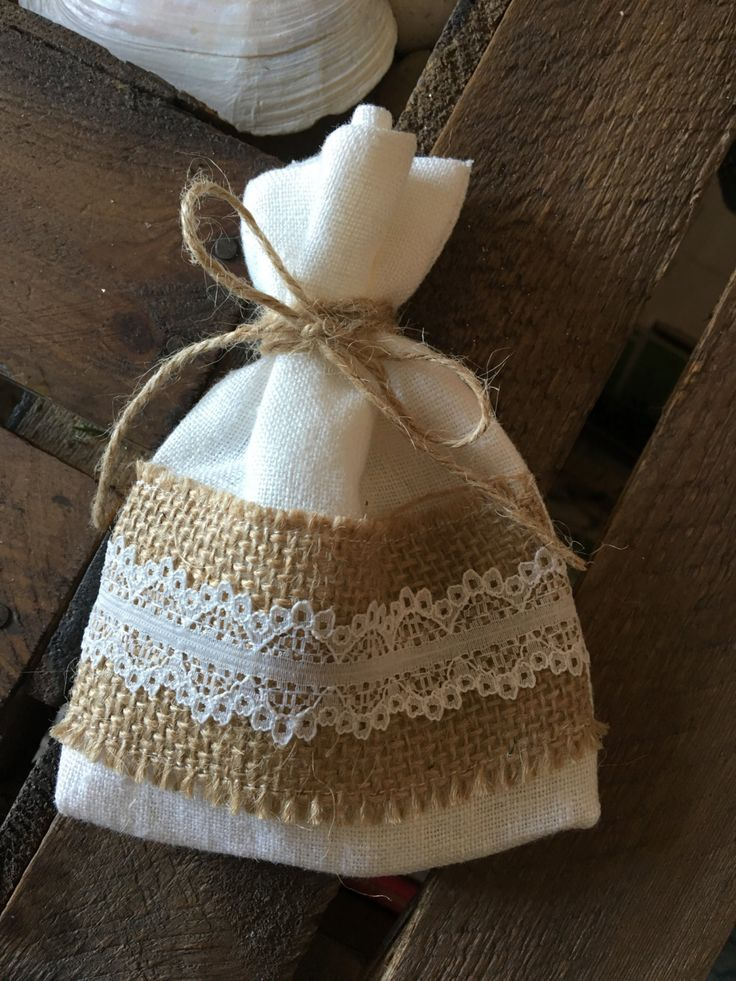 10 Linen and Hessian & Lace Favour Bags by ShowstopperEvents on Etsy