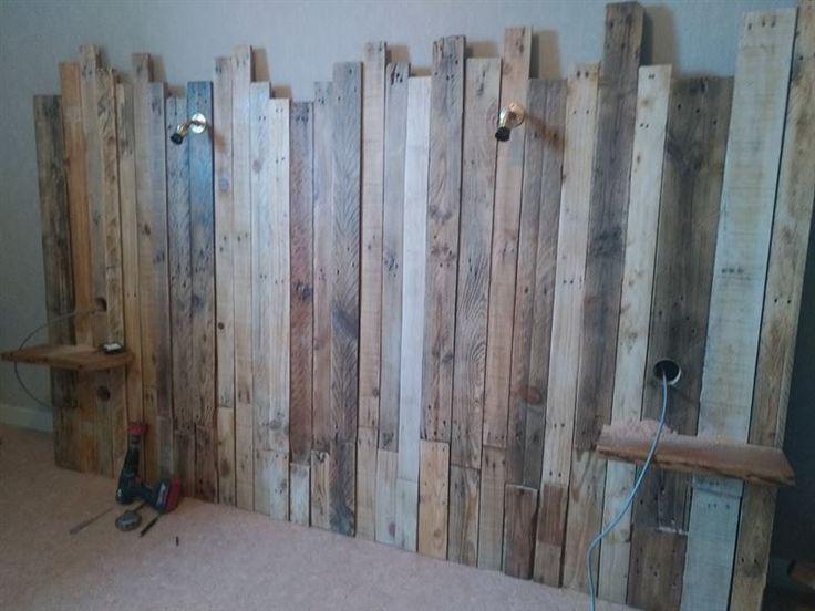 Tête de lit en bois récupéré