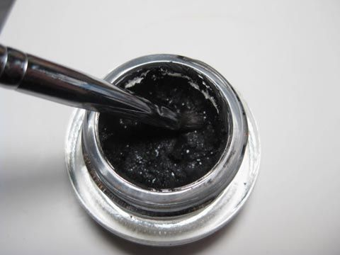 How to revive dried out gel eye liner  -I tried this on two gel liners, one from E.L.F and the other from Sephora. Didn't work on the E.L.F. liner, it was just too far gone. Instead of soft and creamy it came out crumbly.