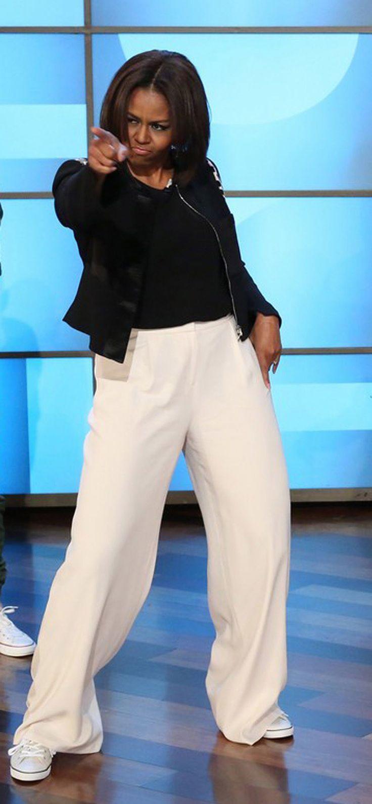 Michelle Obama funkin' to Uptown Funk on The Ellen Show http://www.heatworld.com/2015/03/check-out-michelle-obama-dancing-to-uptown-funk-with-ellen-degeneres#.VQMFZ_x4pch
