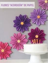 Resultado de imagen de decoracion con papel crepe