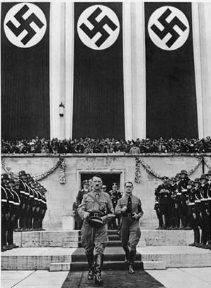 Adolf Hitler  Fotografía perfectamente tomada en alineación