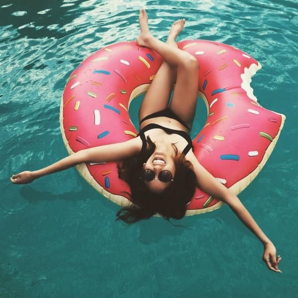 Pink Donut Pool Float - Urban Outfitters